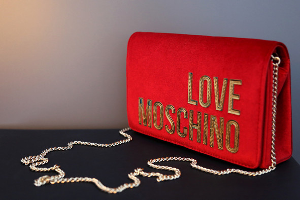 Bon plan, codes promo, réduction Guadeloupe, Martinique, Guyane, la Réunion : La collection maroquinerie LOVE MOSCHINO | photo-la-collection-maroquinerie-love-moschino-3